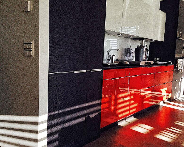 Küchen mit Materialkombinationen